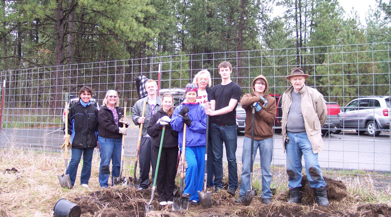 Greenheart Exchange Students Plant Trees for Earth Day