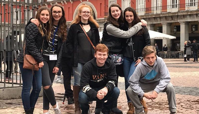 American students soak up Spanish culture during spring break in Madrid!